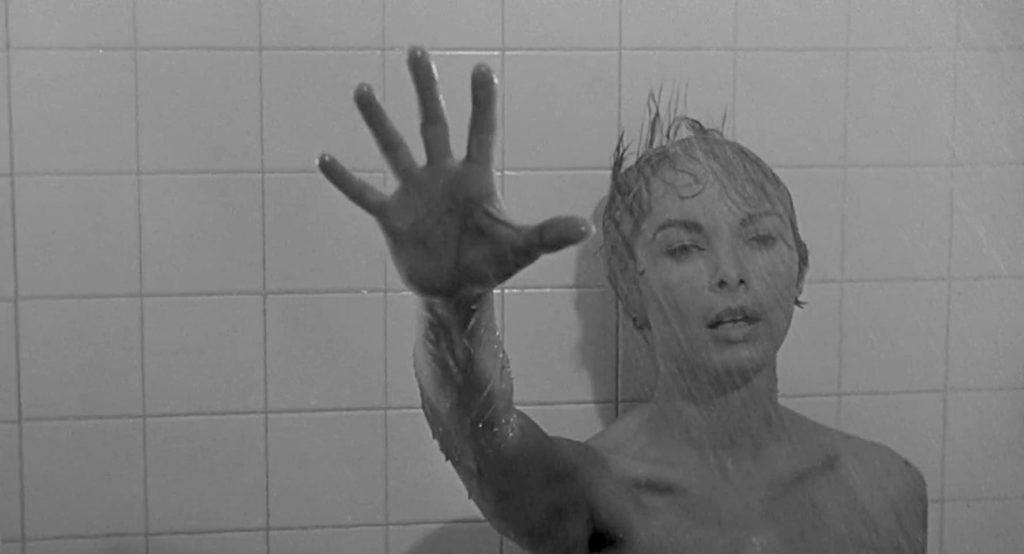Marion Crane (Janet Leigh) massacrata sotto la doccia nel film Psycho (1960) di Alfred Hitchcock.