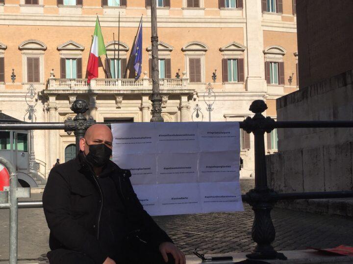 La protesta di Luigi Pastore sulla chiusura di cinema e teatri