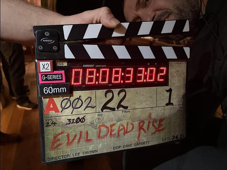 [NEWS] Lee Cronin carica foto splatter dal set di Evil Dead Rise